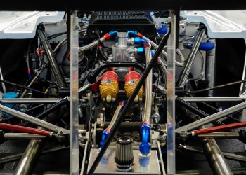 MR18 V8
