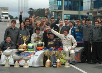 Pilotos Tarso, Paulo Marques, Juliano Moro e equipe vencedores nas 06 Horas Curitiba - PR